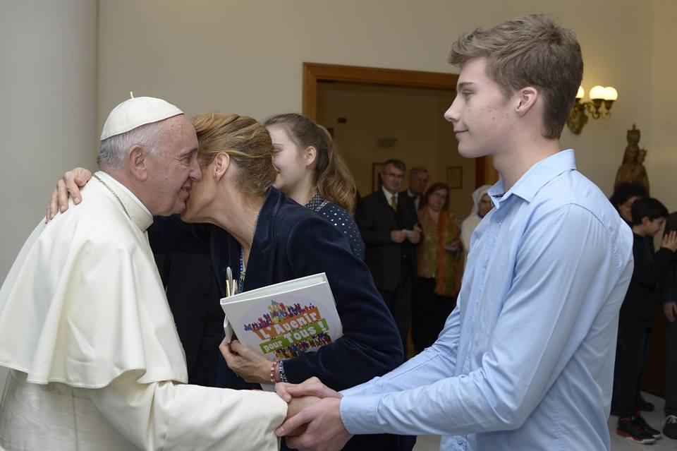 Eglise catholique : pour restaurer le mariage, le pape François ne s'oppose pas à l'union civile sans filiation